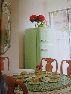 Vintage Kitchen ~ That fridge...I Love SMEG! http://www.smeg50style.com/en-GB/node