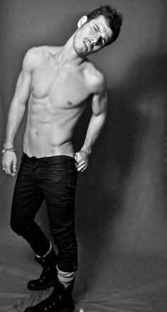 Lucas Bernardini, brazilian, vegan, model, looking for an organic lifestyle. Mind, body and energy integrated. We are one!