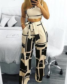 Colorblock One Shoulder Cropped Wide Pants Set – Frauen Mode Ideen Classy Outfits, Chic Outfits, Summer Outfits, Party Outfits, Trend Fashion, Womens Fashion, Fashion Tips, Ladies Fashion, Style Fashion