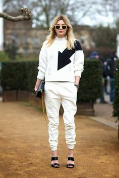 Camille Charriere in J.Brand Pants at London Fashion Week 2014 Street Style 2014, Looks Street Style, Autumn Street Style, Fashion Photo, Love Fashion, Autumn Fashion, French Fashion, Style Fashion, Mens Fashion
