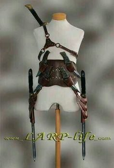 Assassin o rogue harness for various weapons Steampunk Accessoires, Armadura Cosplay, Armas Ninja, Leather Armor, Fantasy Armor, Leather Projects, Knives And Swords, Tactical Gear, Leather Working