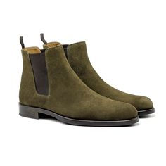 ORO's exclusive Olive Suede Chelsea Boots, are perfect for those who want a stylish, trendy, and versatile look. - Calfskin (High-Quality Suede) - Blake Stitching (Made In Spain) - Twin Elasticiz Mens Shoes Boots, Mens Boots Fashion, Men's Shoes, Fashion Shoes, Shoe Boots, Dress Shoes, Botas Chelsea, Suede Chelsea Boots, Sneaker Boots