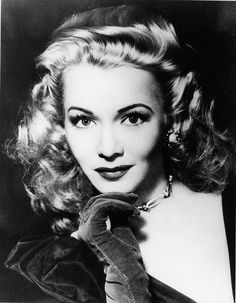 Carole Landis was one of the most beautiful actresses ever in Hollywood. It's a damn shame she committed suicide with Seconal(sleeping pills)at the age of Old Hollywood Glamour, Golden Age Of Hollywood, Vintage Glamour, Vintage Hollywood, Hollywood Stars, Vintage Beauty, Classic Hollywood, Hollywood Icons, Vintage Vanity