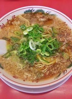 特製醤油ラーメン Japanese Ramen, Japanese Food, Traditional Japanese, Junk Food, Thai Red Curry, Delicious Food, Asia, Foods, Cooking