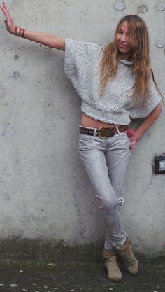Suéter de ala de murciélago pálido plata suéter gris por ileaiye