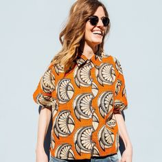 Create a different look with this unique and stylish piece . African Fabric, Slow Fashion, Printed Shirts, Espadrilles, Cool Outfits, Wax, Orange, Create, Stylish