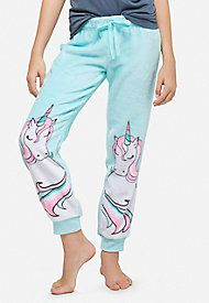 Find the latest in colorful and comfy sleepwear sets for girls at Justice! Shop cute pajamas in tons of fun prints and designs to match her individual style with our collection of sleepwear tops, bottoms, onesies and more. Unicorn Outfit, Cute Unicorn, Unicorn Clothes, Le Closet, Unicorns And Mermaids, Cute Shirts, Style Me, Pajama Pants, Pajamas
