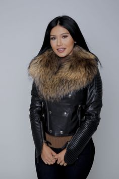 Shop this Black Fur Collar Leather Jacket at Karens Closet NY at an affordable price Fur Fashion, Autumn Fashion, Jackets Fashion, Fur Clothing, Fur Collars, Jacket Style, Leather Pants, Black Leather, Winter Outfits