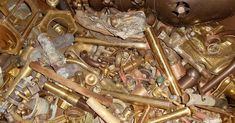 Copper Prices are per ton millberry copper, for sale Recycling Steel, Scrap Recycling, Garbage Recycling, Copper Art, Copper Metal, Pure Copper, Brass, Copper Prices, Metal Prices