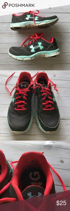 Women's Under Armour Running Shoes Good condition. Outside is in great shape. Flaw insides shoe. As pictures lots of wear left Under Armour Shoes Athletic Shoes