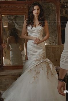 Freya's wedding dress on Witches of East End. Outfit Details: http://wornontv.net/23586/ #WitchesofEastEnd