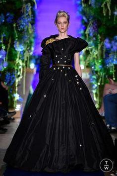 Guo Pei FW17-18 Couture- Look 26.jpg
