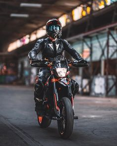ideas for motorcycle & bike modeling Our online magazine, especially lovers of luxury high-quality equipment motorcycles that attract women dirt bike harley davidson moto Ktm Dirt Bikes, Cool Dirt Bikes, Motocross Bikes, Sport Bikes, Dirt Motorcycles, Ktm Supermoto, Motorcycle Suit, Moto Bike, Motard Bikes