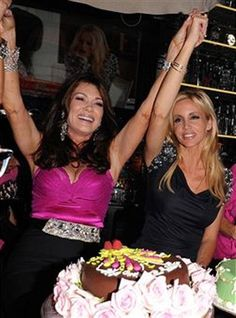 newport beach: Lisa Vanderpump's birthday at Sur Lounge Celebrity Film, Celebrity Weddings, Lisa Vanderpump, Vanderpump Rules, Bravo Tv, Housewives Of Beverly Hills, Famous Movies, Beauty Advice