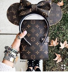 Women Fashion Style New Collection For Louis Vuitton Handbags, LV Bags to Have Lv Handbags, Chanel Handbags, Louis Vuitton Handbags, Louis Vuitton Monogram, Designer Handbags, Burberry Handbags, Chanel Bags, Disney Minnie Mouse Ears, Cute Disney Pictures