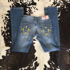 True Religion Joey Super T 25, great condition/fit True Religion Joey Super T fit, 25, great condition & fit!  Great detail yellow jewel buttons! True Religion Pants