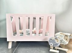 Make Amazing Projects With Step By Step Plans Modern Dollhouse, Diy Dollhouse, Dollhouse Furniture, Done By Deer, Baby Crafts, Miniature Dolls, Girl Room, Diy For Kids, Planer