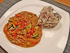 Mein cremiges, veganes Erdnusspfännchen mit Gemüse und Soja, ein gutes Rezept aus der Kategorie Vegan. Bewertungen: 98. Durchschnitt: Ø 4,5.