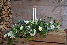 Bildresultat för begravningsdekoration krans