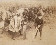 Virginia Woolf and Adrian playing cricket