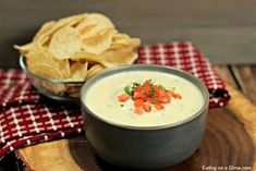 The Best Mexican White Cheese Dip – Authentic Queso Dip recipe This is the Best Mexican White Cheese Dip recipe. An Authentic queso dip that tastes just like the Mexican Restaurant white sauce. Your entire family is going to love this queso blanco. Mexican Dishes, Mexican Food Recipes, Drink Recipes, White Queso Dip Recipe, Mexican White Cheese Dip, Crockpot White Chicken Chili, Cheese Dip Recipes, Crock Pot Tacos, White Sauce
