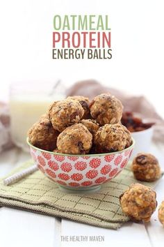 This simple and healthy no-bake oatmeal protein balls recipe is perfect for easy snacking on-the-go! With rolled oats, protein powder, peanut butter and a touch of honey, these energy balls will keep you satisfied for hours!