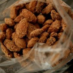 Pieczone orzechy z cynamonem