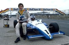 Jonathan Palmer(sited) and Kenny Acheson (in car) Ralt RH6/82 Honda/Wakou - Ralt Racing Ltd - XXIV International Trophy 1982 - European F2 Championship, Round 1 - © Sutton Motorsport Images