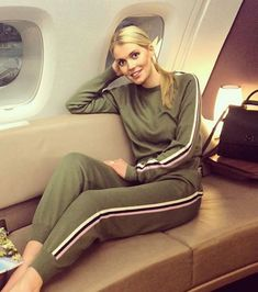 Elle, c'est Kitty Spencer Lady Diana, Meghan Markle, Kitty Spencer, Bean Bag Chair, People, The Unit, Actresses, United Kingdom, Folk