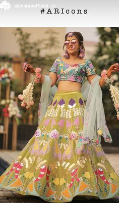 Bridal Outfits, Bridal Dresses, Lehenga Color Combinations, Color Combos, Latest Bridal Lehenga, Pool Party Outfits, Mehndi Outfit, Cute Crop Tops, Trends