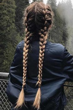 Here you can find a lot of new ways of braiding your hair, just go on reading not to miss the best one. We have some beauty secrets to share with you. Check them out! #hairstyles #braids #braidedhairstyles