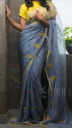Blouse Designs High Neck, Silk Saree Blouse Designs, Blouse Patterns, Indian Attire, Indian Wear, Cutwork Saree, Gyr, Sari Design, Saree Models