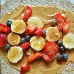 Peanut Butter Berry Energy Wrap 28 Easy Healthy Breakfasts You Can Eat OnTheGo Healthy Desayunos, Easy Healthy Breakfast, Healthy Snacks, Breakfast Recipes, Healthy Eating, Healthy Breakfasts, Healthy Recipes, Cheap Recipes, Snacks Recipes