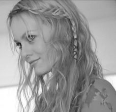 Vanessa Paradis, the ultimate thinspo!! In my opinion :3