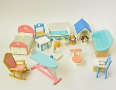 Vintage Fisher Price   Loving Family Furniture And Pets   1993   1994