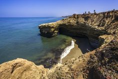 6 Warm-Weather Getaways Destination: San Diego, California Though still sunny, winter brings light jacket weather to San Diego, famous for its zoo and large U.S. Navy and Marine military community.