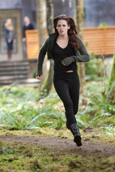 G by Guess Frollic Combat Boots and The Twilight Saga: Breaking Dawn - Part II - Bella Cullen wears G by Guess? Frollic Combat Boots (in black) in The Twilight Saga: Breaking Dawn - Part II. Twilight Bella And Edward, Twilight Saga Series, Twilight Cast, Twilight Movie, Twilight Videos, Twilight Wedding, Twilight Outfits, Twilight Breaking Dawn, Breaking Dawn Part 2