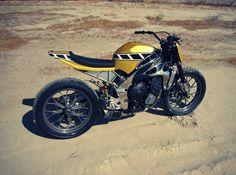 Yamaha R1 Flat Tracker by Greggs Customs
