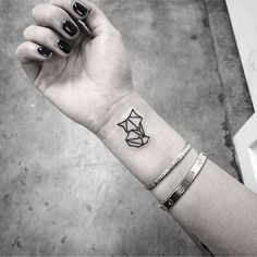 40 Lovely Origami Tattoo Designs (In Trend) Small Animal Tattoos, Cute Tiny Tattoos, Mini Tattoos, Trendy Tattoos, Small Tattoos, Tattoos For Guys, Tattoos For Women, Cat Tattoos, Tatoos