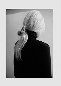 """ Oyster Fashion: 'Neck' Shot By Helen Erkisson """