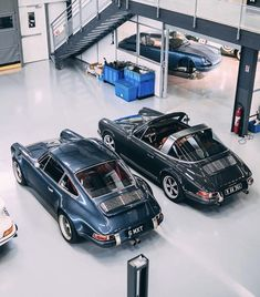 Everything about the most beautiful car in the planet. by a happy owner. Porsche 911 Targa, Porsche Carrera, Porsche Autos, Porsche Cars, Porsche Classic, Classic Cars, Classic Auto, Chevrolet Impala, Garage