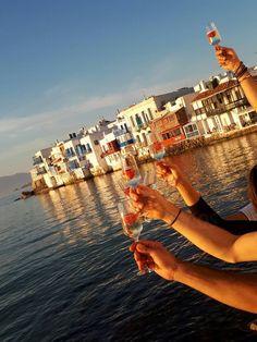 #xmas #christmas #christmasmood #christmasmagic #themostwonderfulltimeoftheyear #creativecontent #celebration #party #feast #festive #littlevenice #happynewyear #nye #cheers #champagne #seaview #islandlife #island #mykonos #mikonos #greece #traveldestination #travellovers #capricebar #bestbar #capriceofmykonos Christmas Mood, Xmas, Rice Bar, Cool Bars, Island Life, Mykonos, Nye, Happy New Year, Cheers