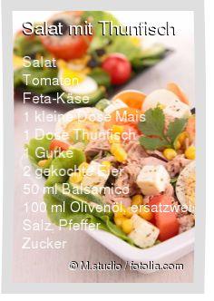 Leckeres Salat mit Thunfisch Rezept mit einfacher Schritt-für-Schritt-Anleitung: Salat waschen und zupfen , Tomaten vierteln , Gurke und Eier in dünne S...