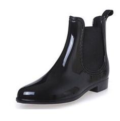 33 Ideas ankle rain boats outfit winter for 2019 Women's Ankle Rain Boots, Slip On Boots, Rubber Rain Boots, Shoe Boots, Women's Boots, Rainy Shoes, Boots 2017, Boating Outfit, Black Chelsea Boots
