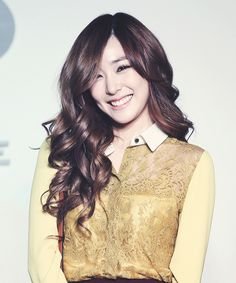 Tiffany Hwang ~ she's so pretty!! ❤️