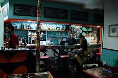 Le   Mange Disc : 50 rue de Romainville à Montreuil. Bar, resto, expo... quelqu'un connait?