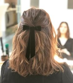 Amazing Winter Hairstyle Ideas For Beauty Women To Try Asap - If you want to look hot and sexy during the winter season, you need to be familiar with the best winter hairstyles for women. Expect hairstyles to cha. Winter Hairstyles, Trending Hairstyles, Pretty Hairstyles, Easy Hairstyles, Hairstyle Ideas, Hairstyle With Bow, Perfect Hairstyle, Popular Hairstyles, Formal Hairstyles