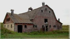 Beautiful Old Barn, The Roof Is Shot, And The Rest Will Slowly Rot Also