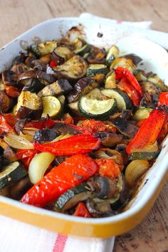 Grilled vegetables from the oven - ENJOY! The Good Life - Grilled vegetables from the oven ENJOY! The Good Life - Quick Healthy Meals, Healthy Drinks, Grilled Vegetables, Veggies, Oven Vegetables, Veggie Recipes, Vegetarian Recipes, Grilling Recipes, Lunch Restaurants