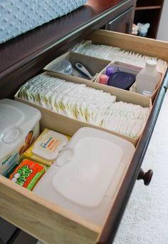 http://www.maetipoeu.com.br/maes/dicas-para-organizar-a-comoda-do-bebe/